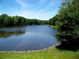 Photo of scenic Woodglen Lake in Fairfax Station, VA.